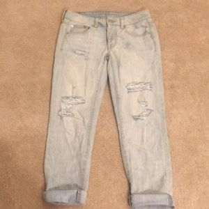American Eagle Distressed Boy Crop Jeans, size 00